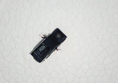Das Auto fährt von selbst geradeaus, ...