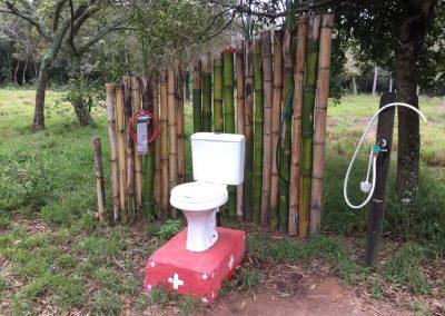 Die wohl hübscheste Entsorgungsstelle gibts in Paraguay. Wer will, darf hier auch sein Geschäft verrichten.
