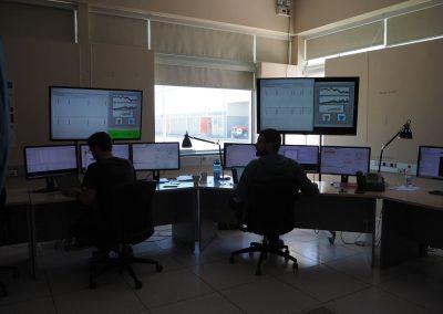 Hier arbeiten die meisten am Computer…