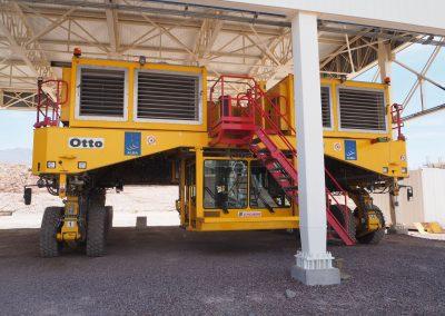 «Otto» transportiert dieTeleskope an ihren Bestimmungsort.