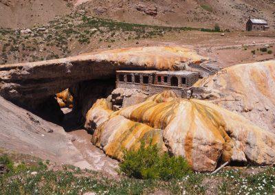 Ein ehemaliges Thermalbad, das wegen Einsturzgefahr geschlossen ist.