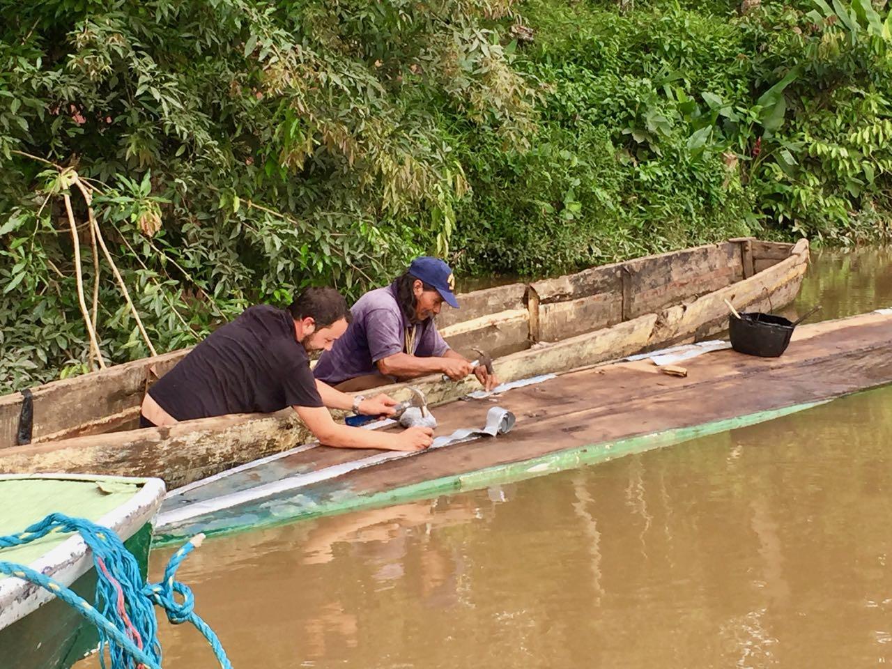Hifi hilft beim Boot reparieren.