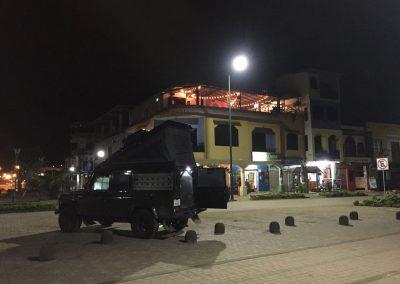 In Puerto Lopez übernachteten wir direkt an der Strandpromenade.