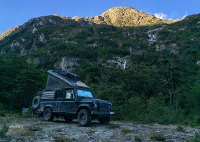 Beim Rio Exploradores war es sehr kalt, aber die Aussicht auf die Berge entschädigte uns dafür.