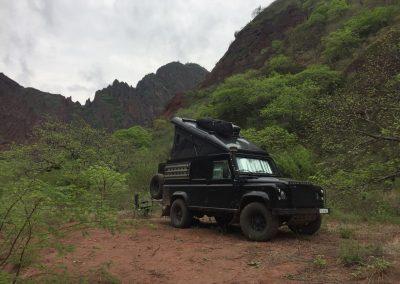 Eingehüllt von Bergen im Cañon Rio Apurimac.