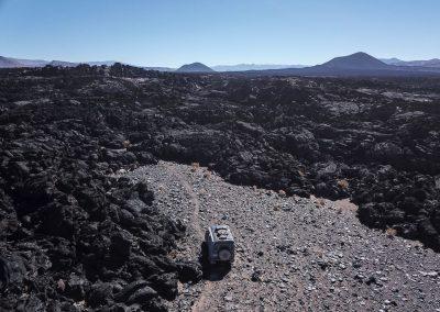 Doch unterwegs stossen wir nochmals auf eine Vulkanlandschaft.