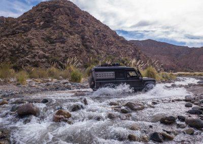 …und durchqueren so manchen Fluss.