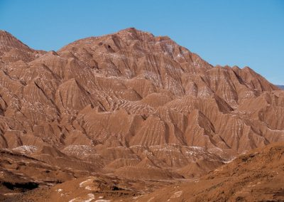 Diese Felsformationen sehen aus wie Schokolade mit Puderzucker bestäubt.