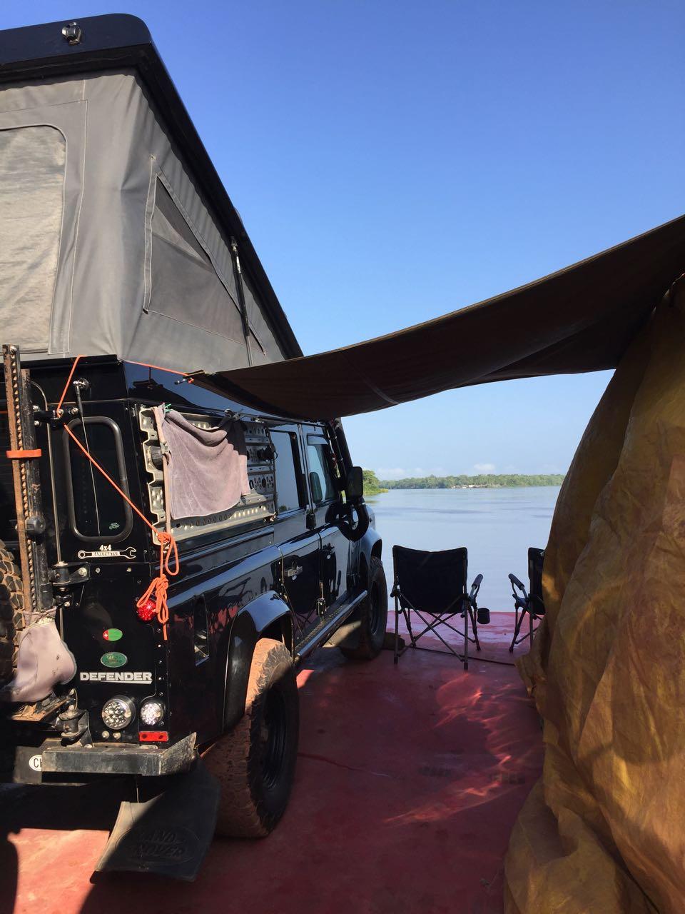 …mit Aussicht direkt auf den Amazonas.