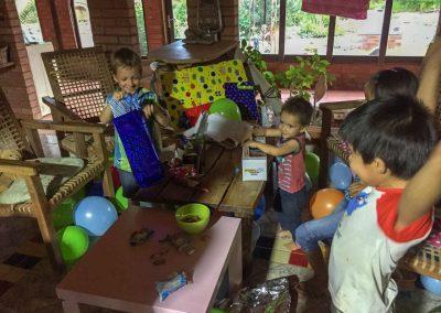 Es leben auch einige Kinder in Rosaleda…
