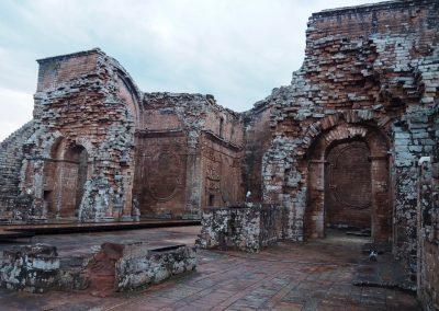 Das ehemalige Kirchenschiff ist sehr imposant.