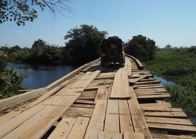 Jede Brücke ist in schlechterem Zustand als die vordere.