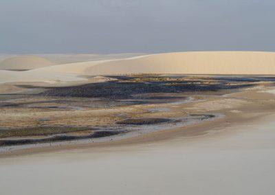 Die weiten Dünen sind durchzogen von Lagunen, wo man auch baden kann.