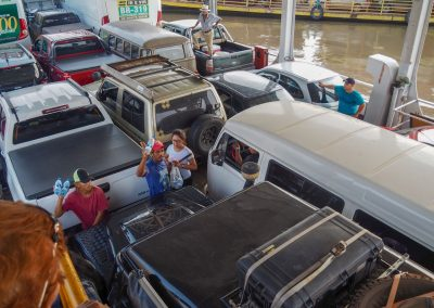 So wie wir angekommen sind, verlassen wir Manaus auch wieder; per Schiff.