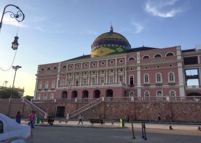 Im Stadtzentrum von Manaus trohnt das historische und berühmte «Teatro»