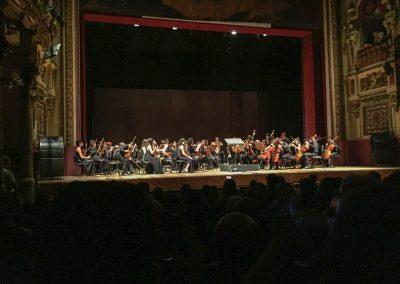 Abends besuchen wir ein Konzert, da das Teatro gratis und für alle geöffnet ist.