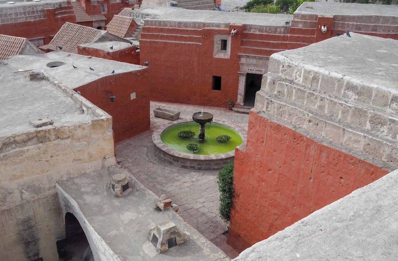 Das Monasterio Santa Catalina (ein Frauenkloster), ist so gross wie ein kleines Dorf.