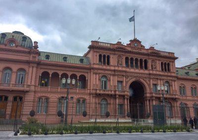 Imposante Regierungsgebäude.