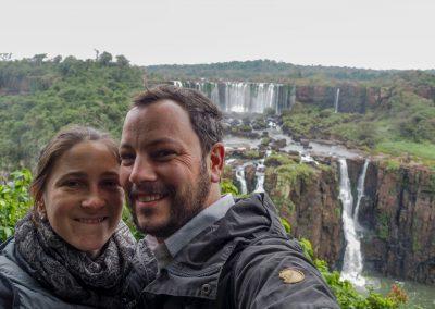 Es ist regnerisch und kühl, als wir die Iguaçu Fälle in Brasilien besuchen.