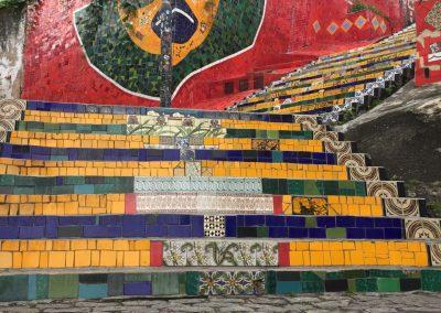 Die «Escaleras» (Treppen) vom chilenischen Künstler Selaron…
