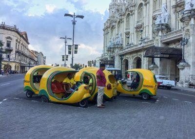Auch das sind Taxis: Coco-Taxis weil sie wie Kokosnüsse aussehen.