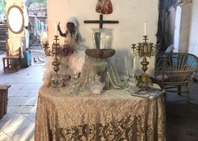 In Kuba gibt es eine Religion, dessen Anhänger die Naturgötter verehren und sich ganz in Weiss kleiden.