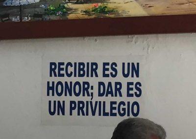 Erhalten ist eine Ehre, Geben ein Privileg.