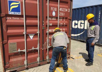 Der Container wird geöffnet…