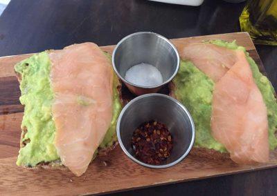 Lachs auf Avocado-Toast