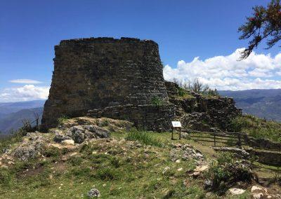 In den Ruinen sitzen