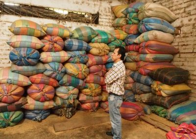 Säcke für die Schalen, diese können wieder als Dünger verwendet werden.