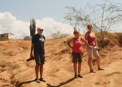 Ueli, Myrta und Caro geniessen die Aussicht.