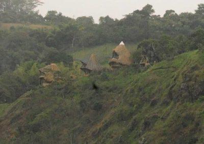 Dort oben sassen früher die Schamanen und blickten übers Tal.