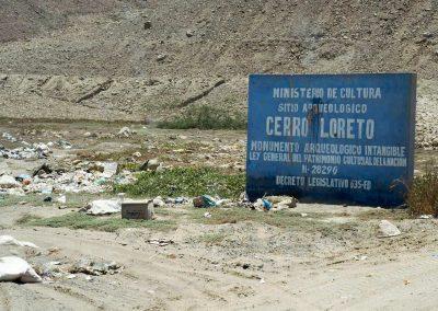 Sogar um die Archäologischen Stätte liegt Abfall.