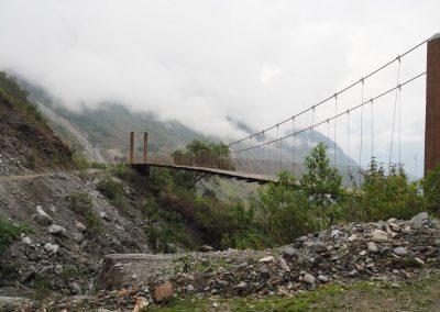 Für die Fussgänger gibt es eine Brücke...