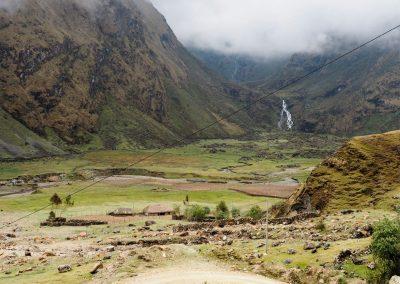 Eine Tagesreise (bei trockenem Wetter) bis zum nächsten grösseren Dorf...
