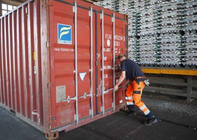 Der Container wird verschlossen…